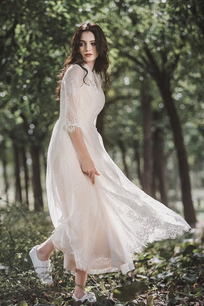 Cute Front Button-up Lace A-line Wedding Dress_6