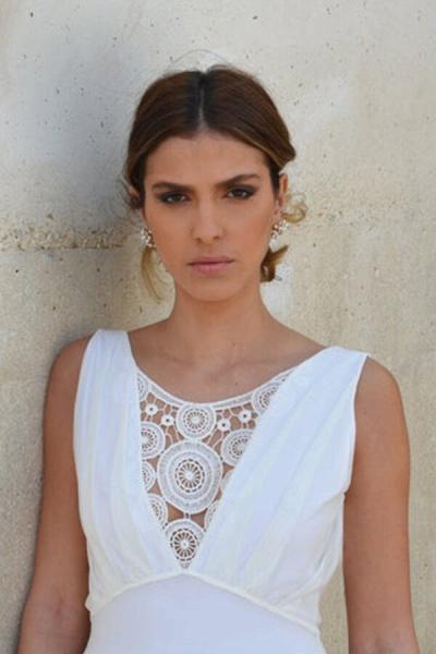 Graceful Empire Waist Tulle Sheath Wedding Dress_6