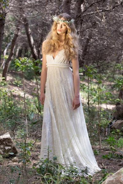 Awesome V-neck Lace Sheath Wedding Dress_3