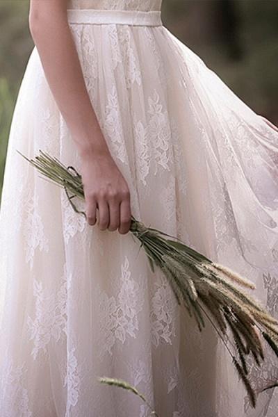 Graceful V-neck Lace A-line Wedding Dress_9