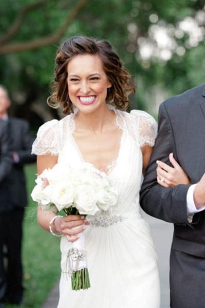 Cap Sleeve Ruffle Lace Chiffon Sheath Wedding Dress_8
