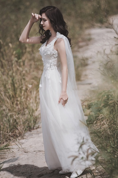 Awesome V-neck Appliques Tulle A-line Wedding Dress_1