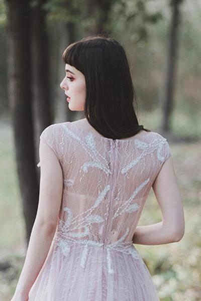 Eye-catching Cap Sleeve Lace A-line Wedding Dress_10