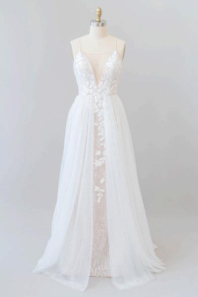 Amazing Chapel Train Appliques Tulle Wedding Dress_1