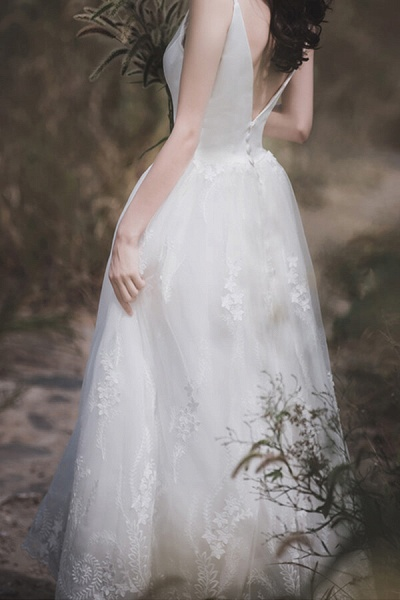 Awesome V-neck Lace Tulle A-line Wedding Dress_13