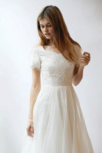Modest Short Sleeve Lace Tulle A-line Wedding Dress_4