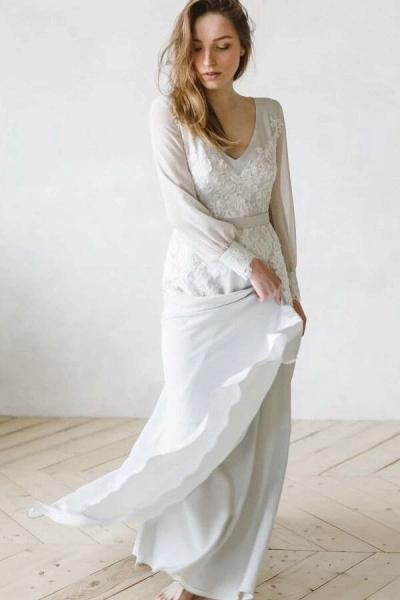V-neck Long Sleeve Appliques Chiffon Wedding Dress_5