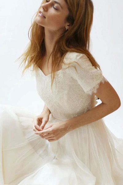 Modest Short Sleeve Lace Tulle A-line Wedding Dress_6