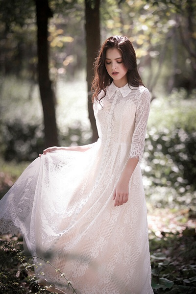 Cute Front Button-up Lace A-line Wedding Dress_9