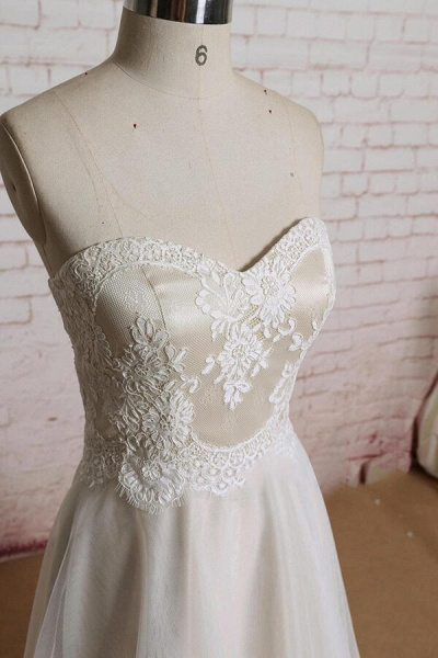 Awesome Strapless Lace Tulle A-line Wedding Dress_4