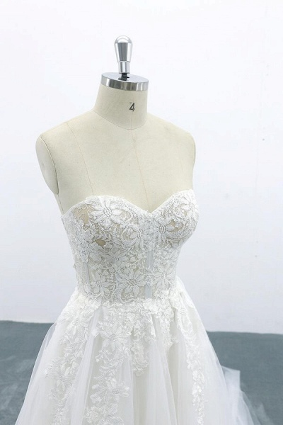 Appliques Strapless Tulle A-line Wedding Dress_7