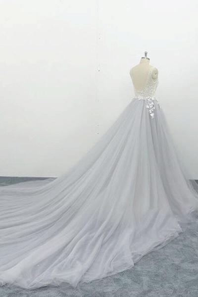Square Neck Appliques Tulle A-line Wedding Dress_3