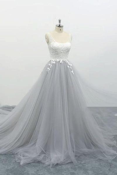 Square Neck Appliques Tulle A-line Wedding Dress_4