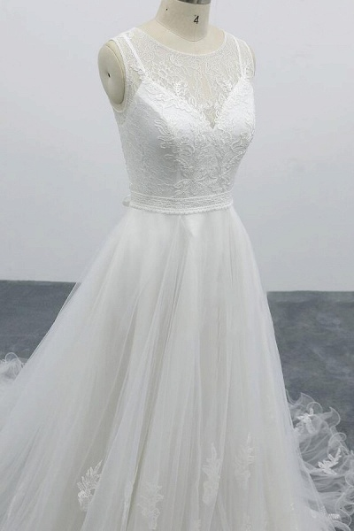 Graceful Appliques Tulle A-line Wedding Dress_8