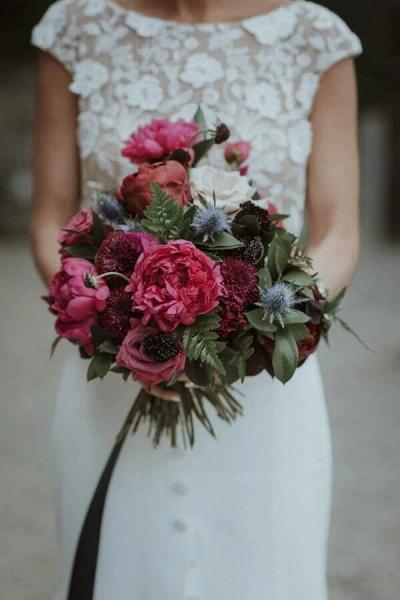 Cap Sleeve Open Back Lace Sheath Wedding Dress_8