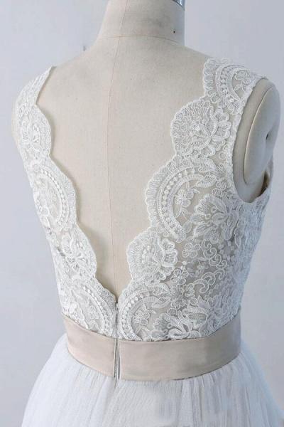 Elegant V-neck Lace Tulle A-line Wedding Dress_7