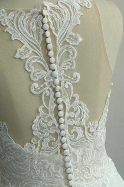 Amazing Appliques Chiffon A-line Wedding Dress_7