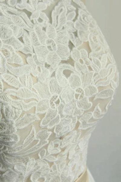 Elegant Halter Lace Tulle A-line Wedding Dress_8