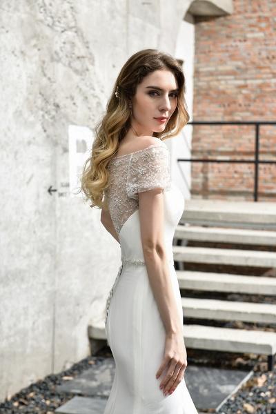 Short Sleeve Lace Mermaid Pearls Wedding Dress With Belt_12