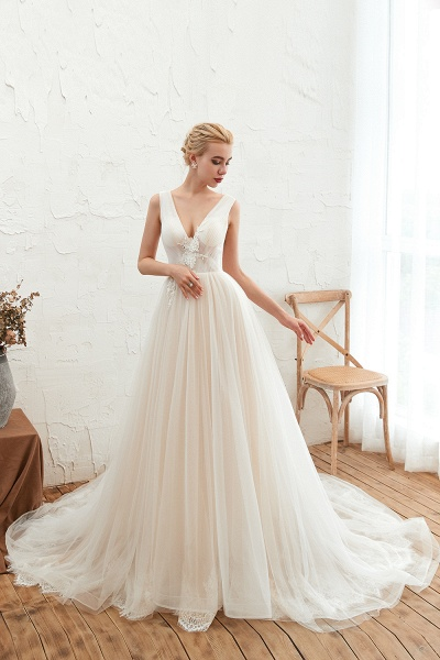 Chic Lace-up Appliques Tulle A-line Wedding Dress_7