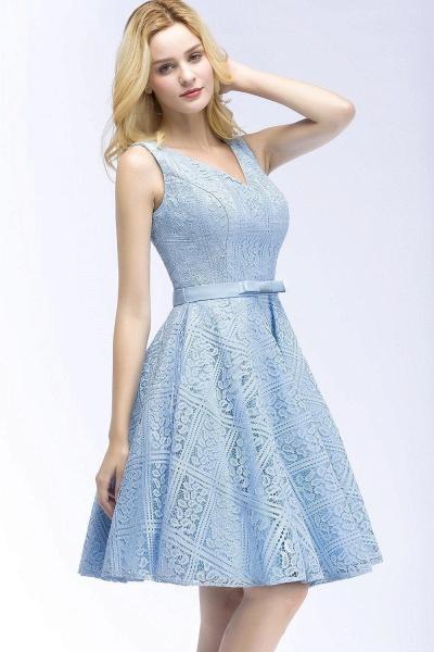A-line Lace Knee-Length Homecoming Dress_5