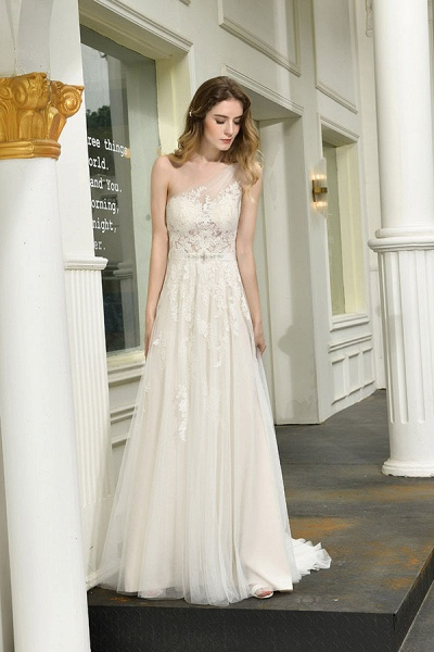 Chic One Shoulder Tulle Lace A-Line Wedding Dress_10