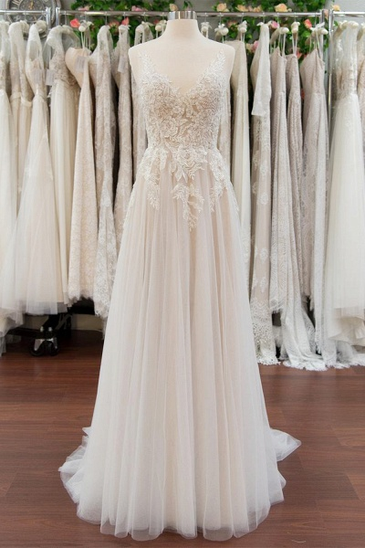 Chic V-neck Appliques Tulle A-line Wedding Dress_1