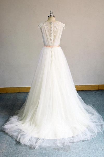 Awesome Appliques V-neck Tulle Wedding Dress_3