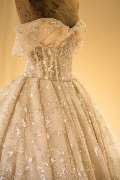 Amazing Strapless Lace-up Satin Wedding Dress_6