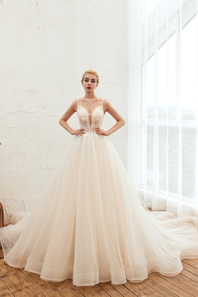 Graceful Appliques Tulle A-line Wedding Dress_3