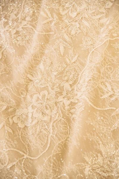 Cap Sleeve Appliques Tulle A-line Wedding Dress_7