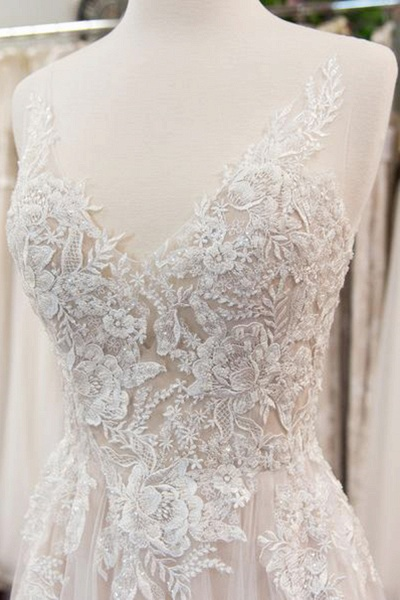 Chic V-neck Appliques Tulle A-line Wedding Dress_4