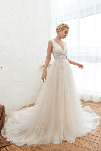 Chic Lace-up Appliques Tulle A-line Wedding Dress_6