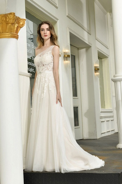 Chic One Shoulder Tulle Lace A-Line Wedding Dress_8