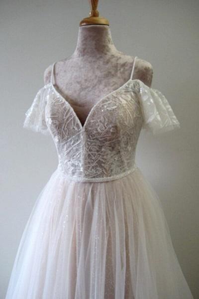 Glorious Cold-shoulder Chapel Train Wedding Dress_5