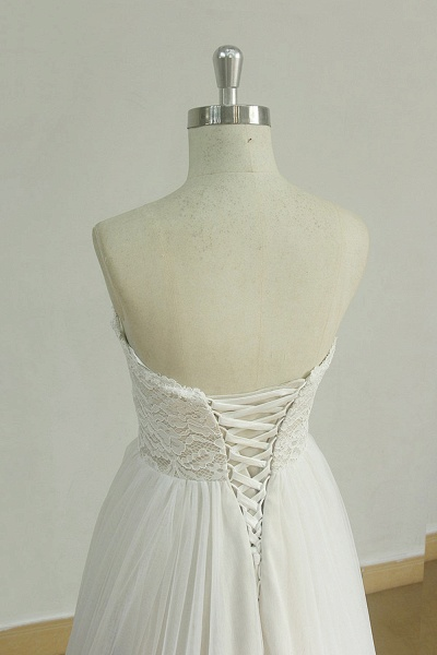 Lace-up Strapless Tulle A-line Wedding Dress_5