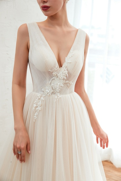 Chic Lace-up Appliques Tulle A-line Wedding Dress_11