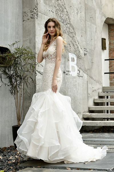 Graceful V-neck Appliques Mermaid Wedding Dress_4