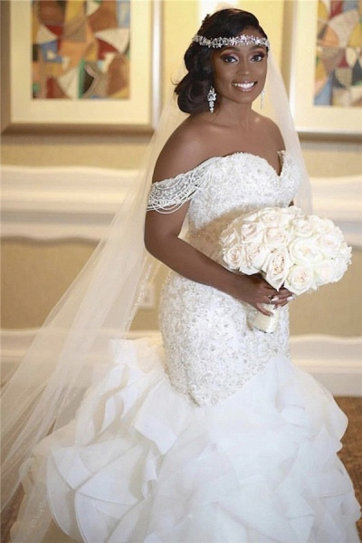 Mermaid Off The Shoulder Appliques Sleeveless Lace Wedding Dress_2