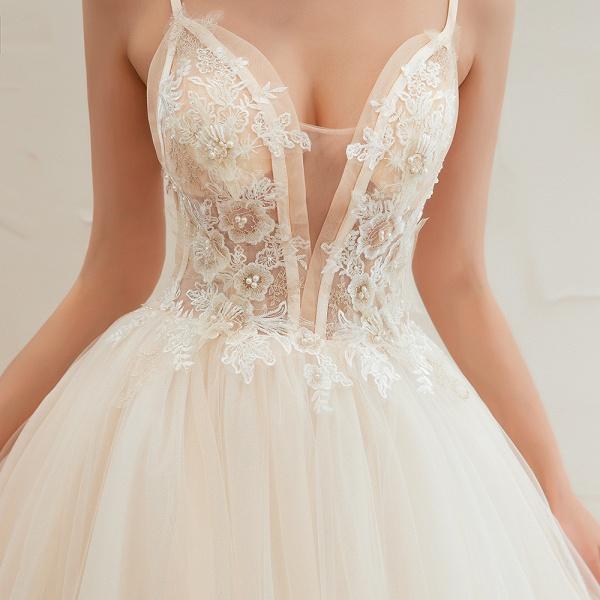 Graceful Appliques Tulle A-line Wedding Dress_12