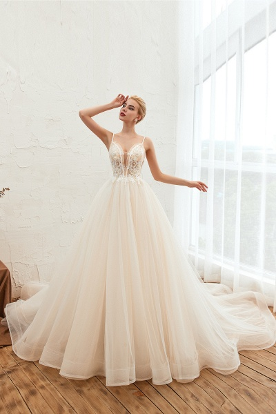 Graceful Appliques Tulle A-line Wedding Dress_7