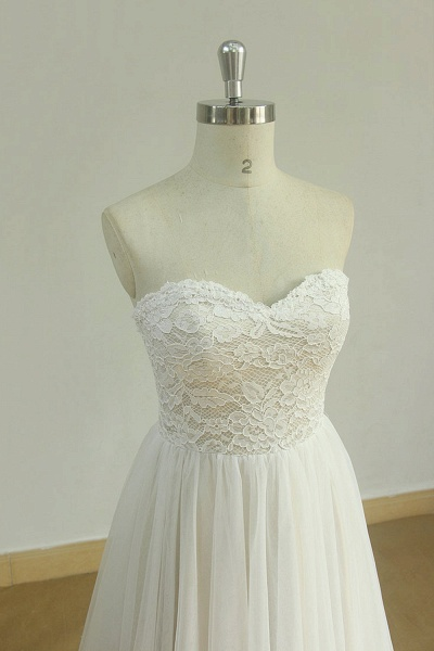 Lace-up Strapless Tulle A-line Wedding Dress_4