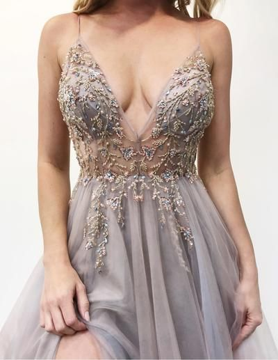 Best V-neck Tulle A-line Prom Dress_7