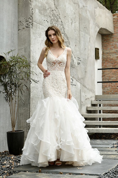 Graceful V-neck Appliques Mermaid Wedding Dress_2