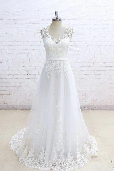 Graceful Appliques V-neck Tulle A-line Wedding Dress_1