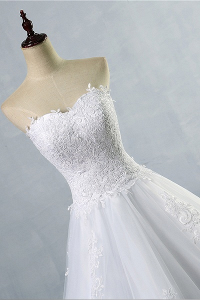 Chic Strapless Appliques A-line Tulle Wedding Dress_5