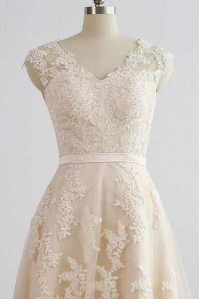Chic V-neck Appliques A-line Tulle Wedding Dress_5