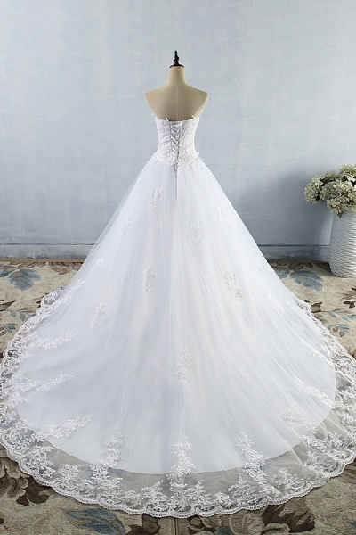Chic Strapless Appliques A-line Tulle Wedding Dress_3