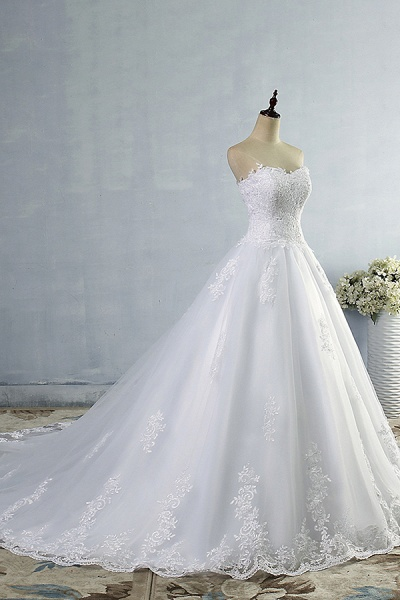 Chic Strapless Appliques A-line Tulle Wedding Dress_4