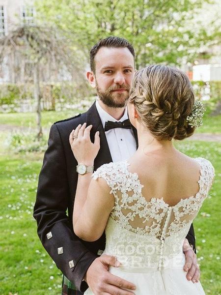Elegant Lace Covered Button Short Wedding Dresses_5